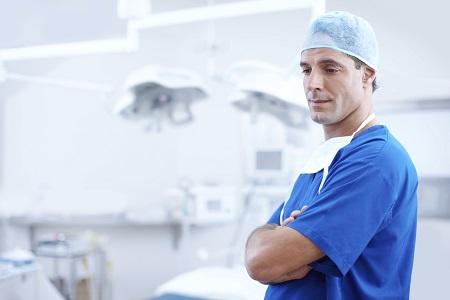 Biegły sądowy lekarz chirurg