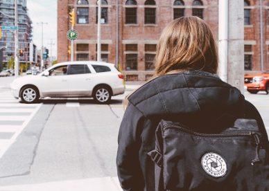 Odszkodowanie za potrącenie pieszego na pasach – prawa pieszego, obowiązki kierowcy