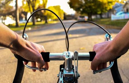 Odszkodowanie za potrącenie rowerzysty przez samochód ciężarowy