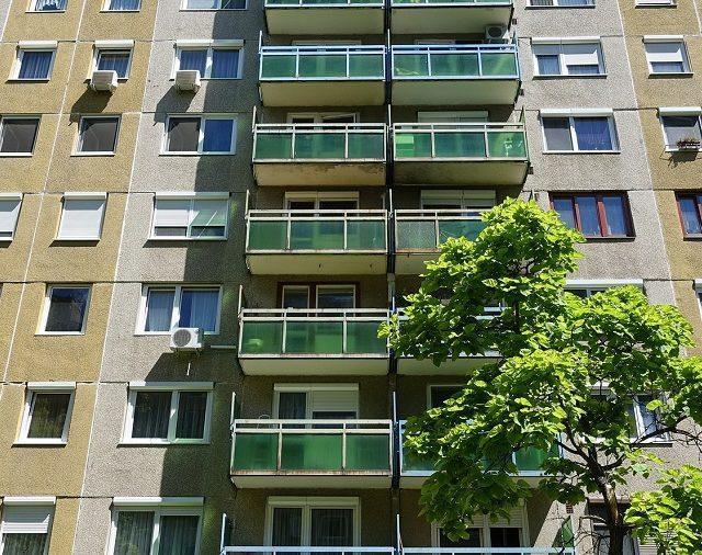Zalanie mieszkania - jak zgłosić szkodę i uzyskać odszkodowanie?