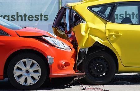 Stłuczka samochodowa – co zrobić, żeby otrzymać odszkodowanie?