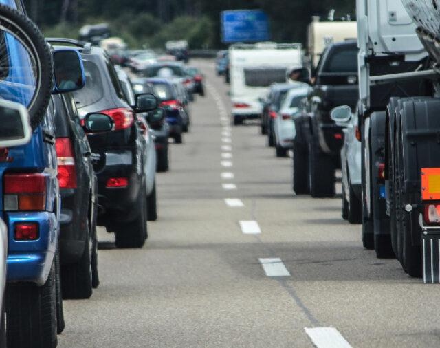 Odzyskanie odszkodowania za wypadek drogowy – czy warto próbować samemu?